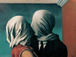 Dipinto che raffigura due amanti che si baciano bendati