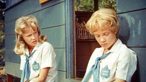 Le gemelle Sharon e Susan al campeggio si ritrovano in The parent trap